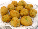 Aalu Puff With Special Sauce